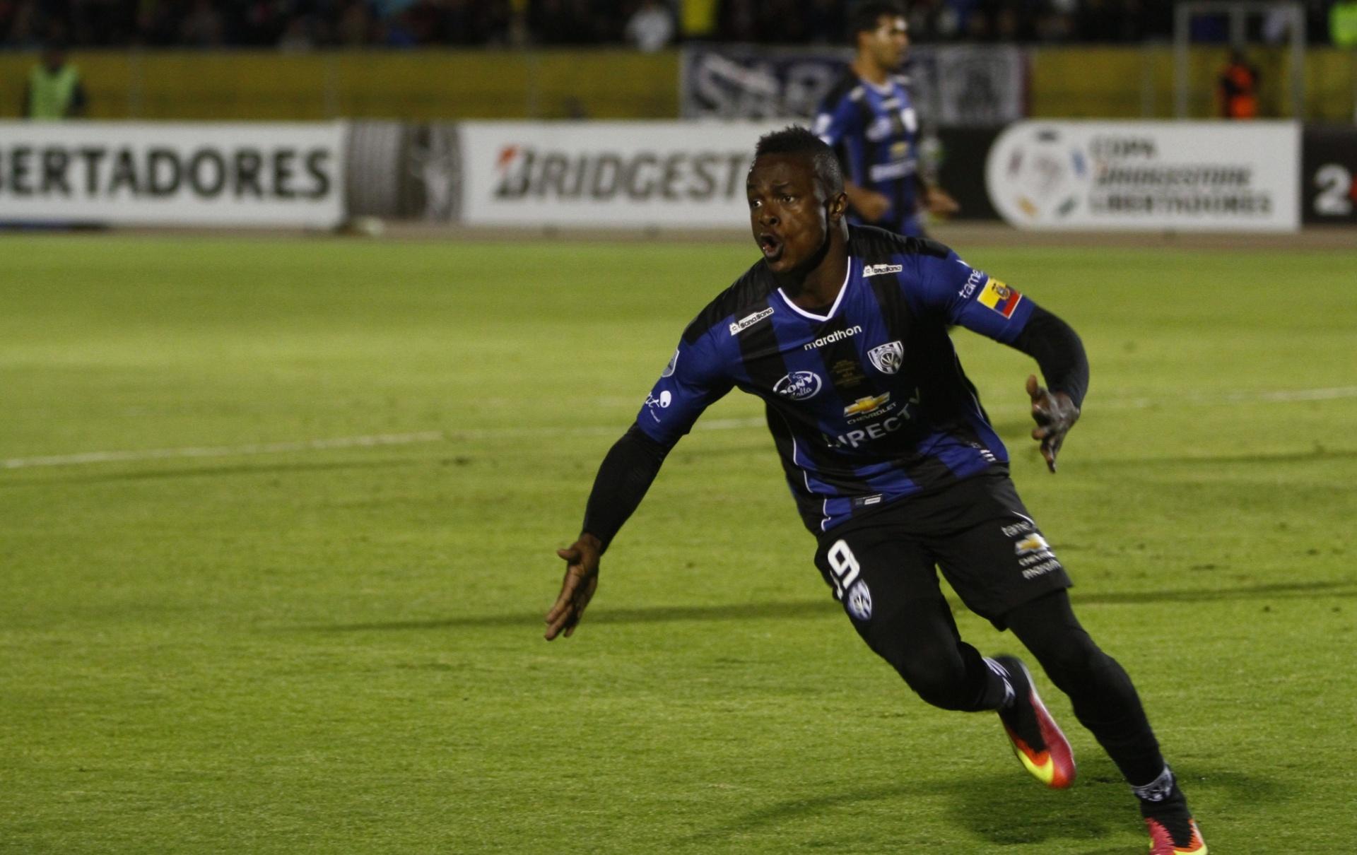 Del Valle rejeita oferta milionária palmeirense por estrela da Libertadores  - 15 07 2016 - UOL Esporte df3d81c8d3237