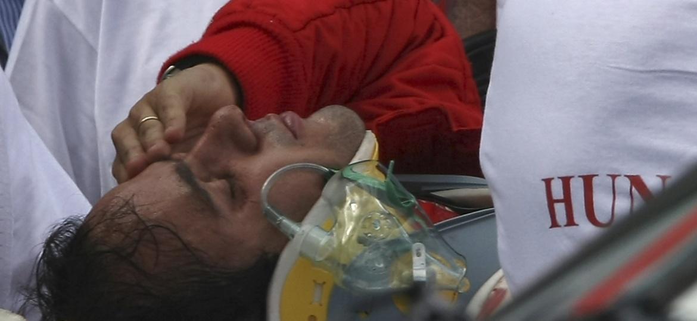 Massa após acidente no GP da Hungria de 2009: mola se desprendeu do carro de Barrichello e acertou seu capacete - Reuters
