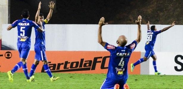 Cruzeiro não aparecia no Z-4 há sete rodadas, mas interino vê motivos para não desesperar