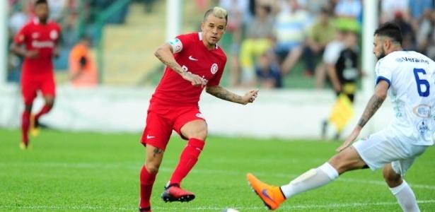 D'Alessandro quer jogar centralizado no meio-campo do Inter em seu retorno