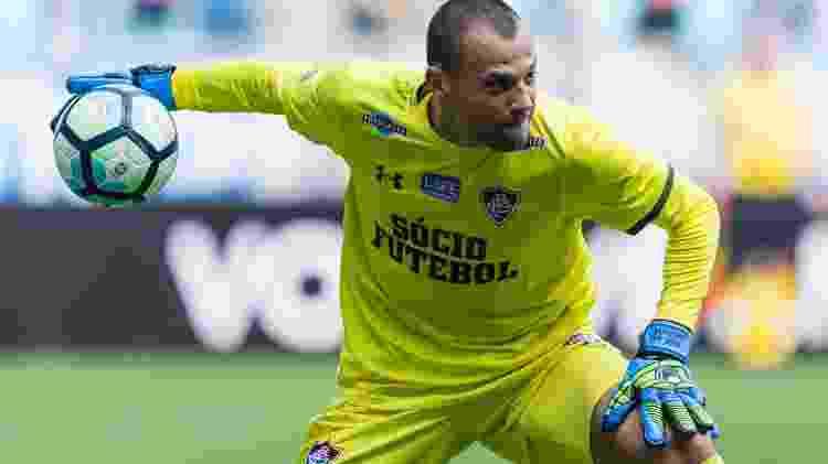 Diego Cavalieri, então goleiro do Fluminense, em ação durante partida em 2017 - Jeferson Guareze - Jeferson Guareze