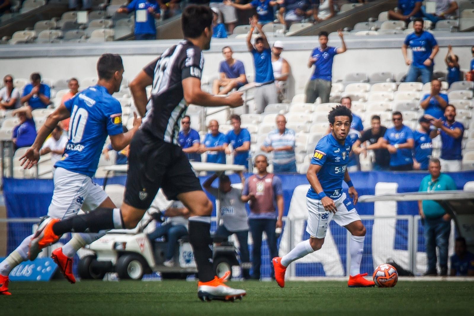 Cruzeiro e Atlético-MG empatam em clássico marcado por arbitragem polêmica  - Esporte - BOL d3fdc9f7c5601