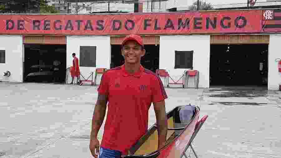 Canoísta Isaquias Queiroz foi apresentado como reforço do Flamengo - Vinicius Castro / UOL Esporte