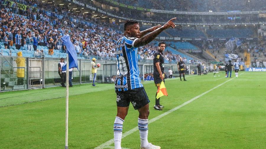 Marinho é um dos artilheiros do Grêmio no ano, mas time ficou mais exposto com ele  - Lucas Uebel/Grêmio