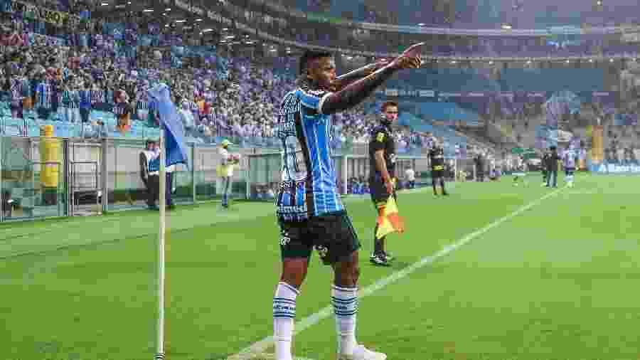 Marinho comemora gol marcado em Grêmio x Veranópolis - Lucas Uebel/Grêmio