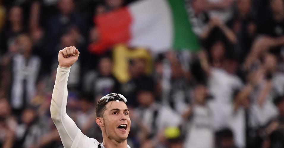 Cristiano Ronaldo comemora título italiano pela Juventus