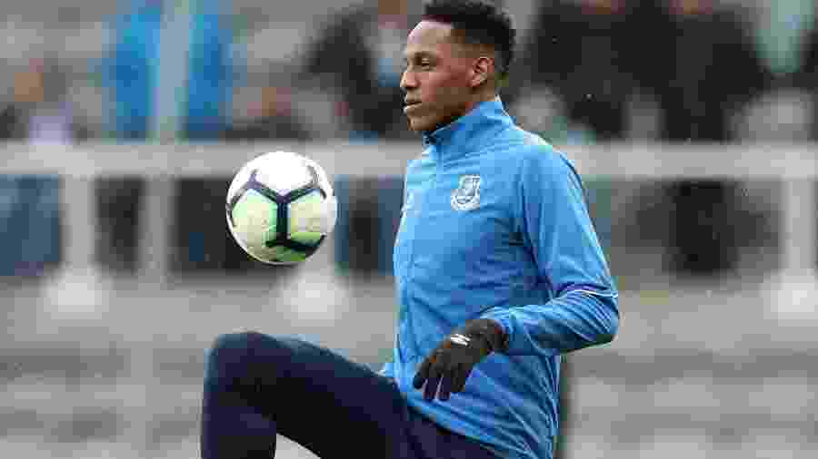 Yerry Mina durante treino do Everton - SCOTT HEPPELL/REUTERS