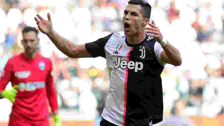 Cristiano Ronaldo comemora gol marcado pela Juventus no Campeonato Italiano - Massimo Pinca/Reuters
