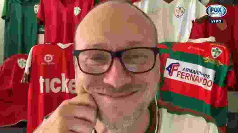 Flávio Gomes se emociona ao celebrar centenário da Portuguesa - Reprodução/Fox Sports