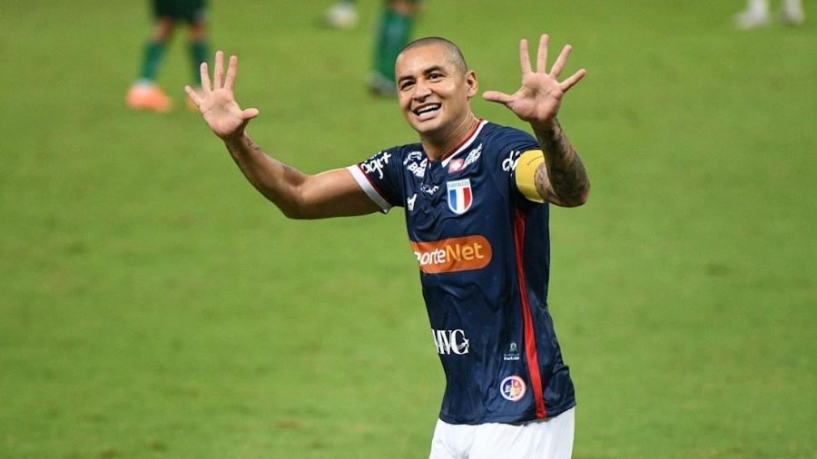 Wellington Paulista, que tem o carinho do torcedor cruzeirense, possui vínculo com o Fortaleza até maio de 2021 - Kely Pereira/AGIF