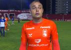 Goleiro do Paraná diz que juiz pediu para segurar a bola: