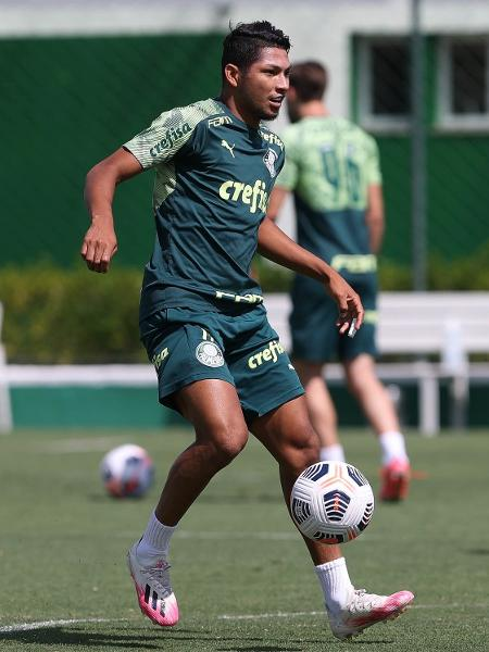 Rony durante o treino do Palmeiras nesta segunda (05) - Cesar Greco/ Palmeiras