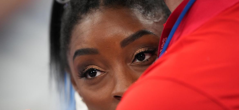Simone Biles na ginal por equipes feminina da ginástica em Tóquio-2020 - Mustafa Yalcin/Anadolu Agency via Getty Images