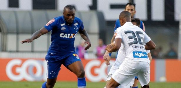Manoel desfalca o Cruzeiro por expulsão contra o São Paulo