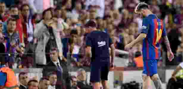 Messi saiu lesionado da partida contra o Atlético de Madri, na quarta  - Josep Lago/AFP