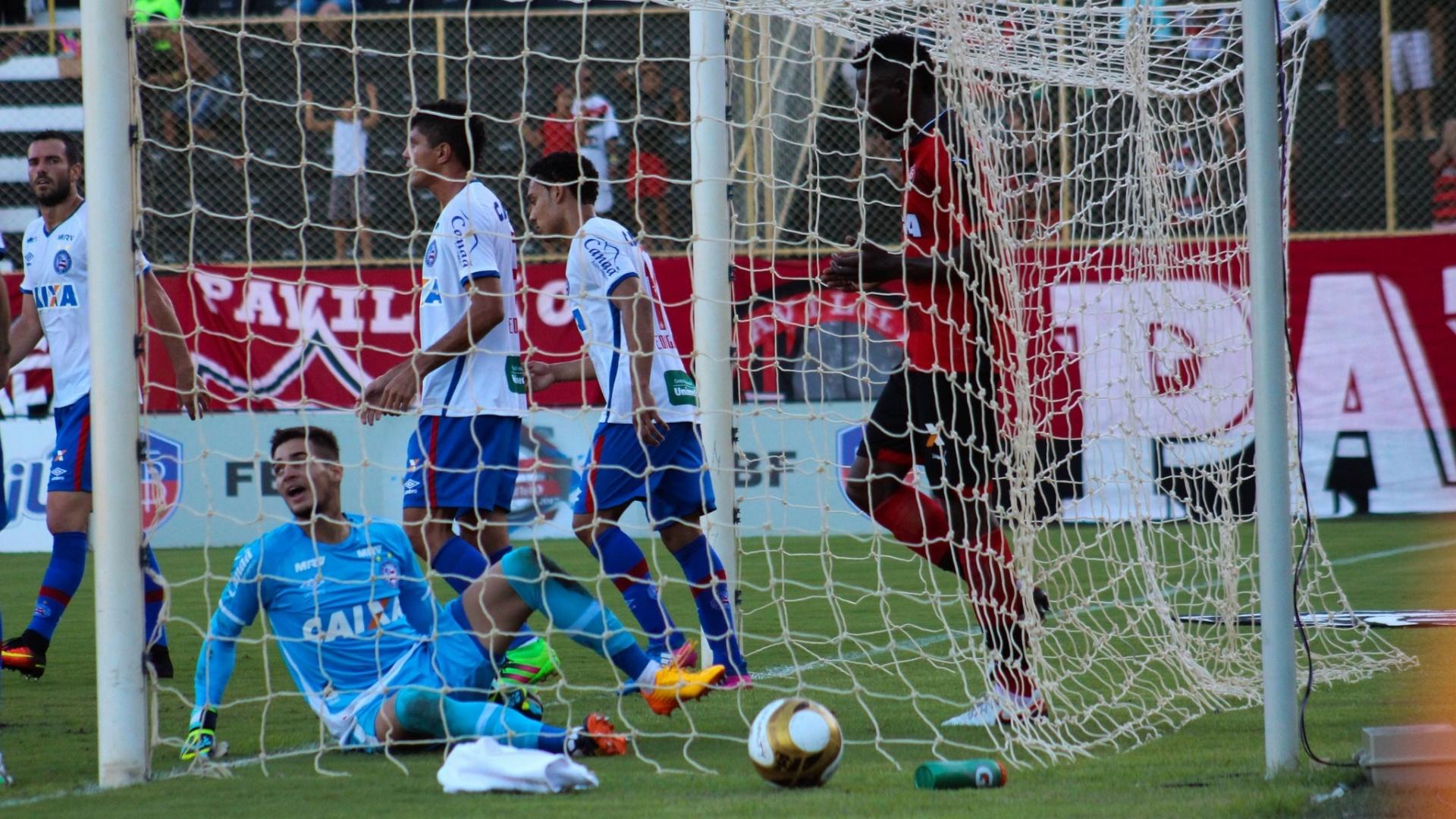 Bola não entrou no segundo jogo da decisão entre Bahia e Vitória, no Barradão