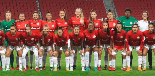 """Time feminino do Internacional, chamado de """"Gurias Coloradas, no Beira-Rio - Divulgação/Inter"""