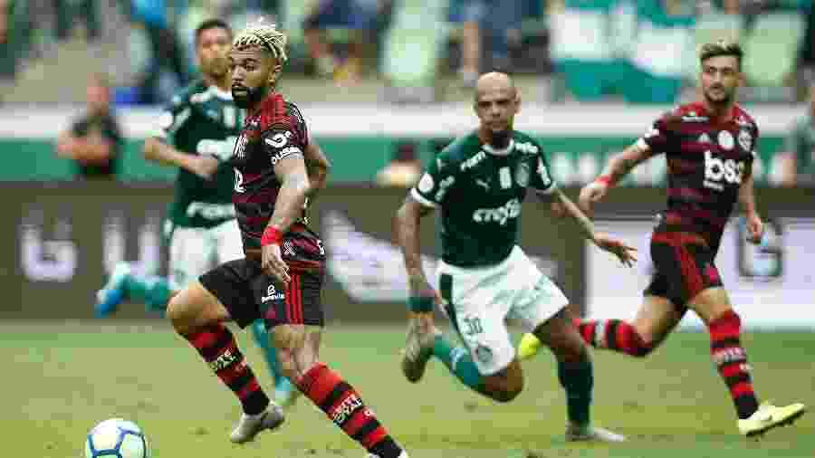 Duelo entre Palmeiras e Flamengo pode não acontecer neste fim de semana devido ao surto de covid-19 no clube carioca - Wagner Meier/Getty Images