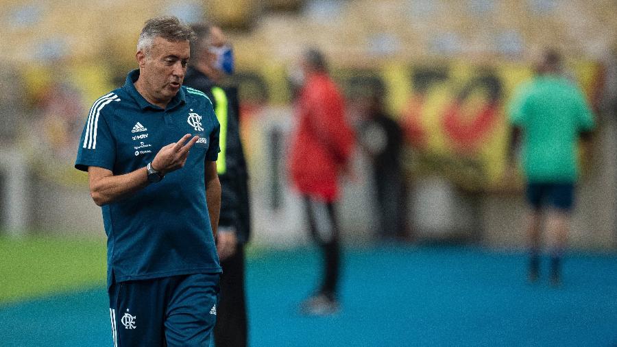 Dome à beira do campo durante o duelo entre Flamengo e São Paulo, no Maracanã, pelo Brasileirão 2020 - RODRIGO BUENDIA / POOL / AFP
