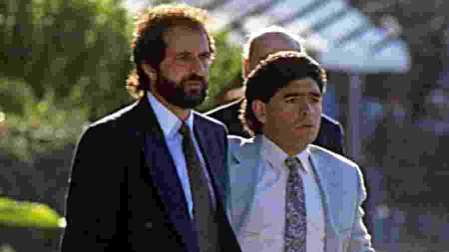 Além de jogarem juntos, Carlos Fren e Maradona formaram parceria na comissão técnica do pequeno Mandyú - e posteriormente do Racing - nos anos 90 - El Grafico/Getty Images