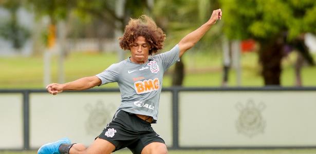 Corinthians inscreve lateral Guilherme Biro na Lista B do Paulistão