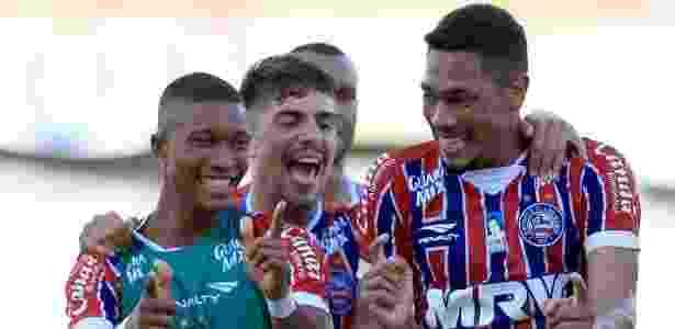 Hernane comemora gol contra Juazeirense - Divulgação - Divulgação