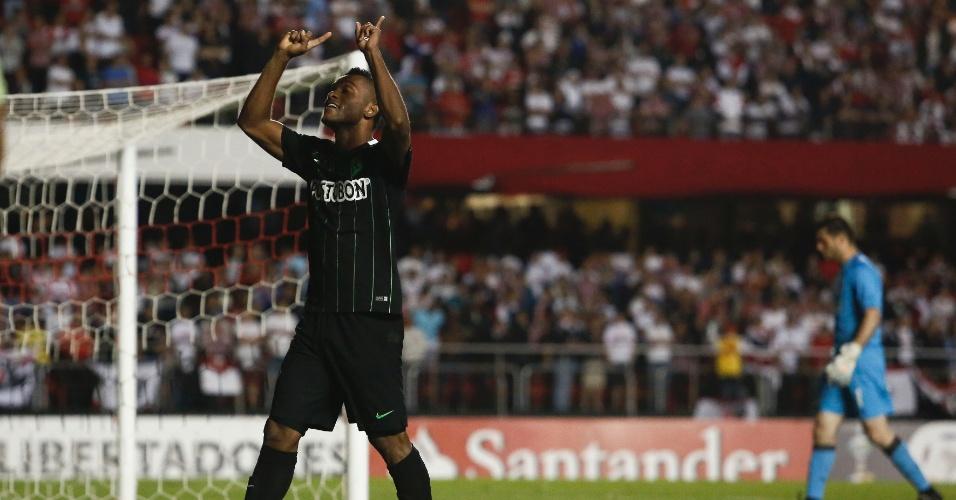 Miguel Borja, do Atlético Nacional, comemora gol diante do São Paulo