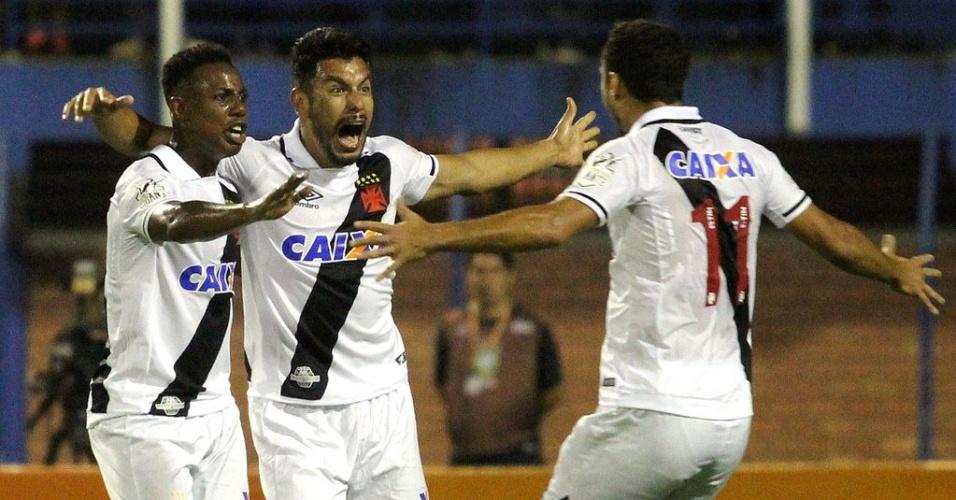 Andrés Ríos marcou o segundo do Vasco contra o Avaí