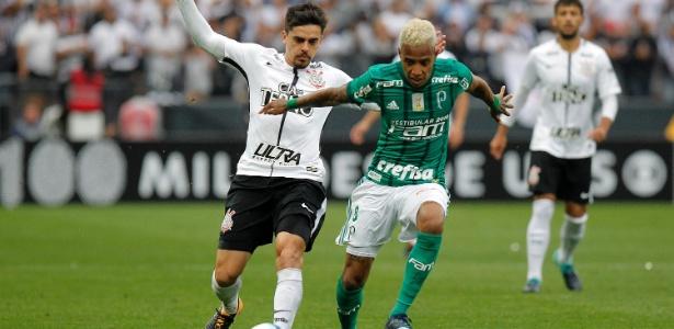 Palmeiras desembarca na Bahia após ser derrotado pelo rival Corinthians