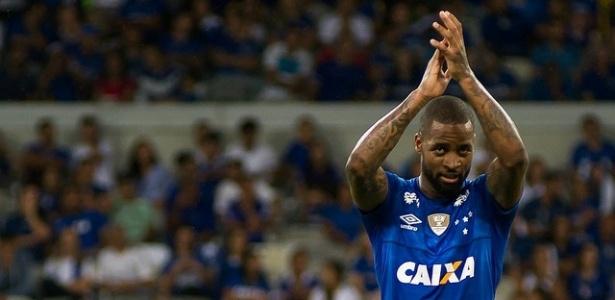 Aos 30 anos, Dedé ainda sonha com Copa do Mundo e vê Thiago Silva como referência