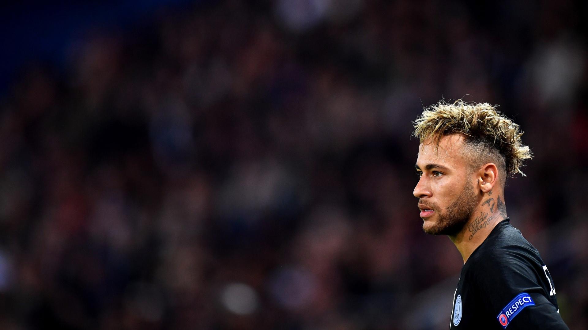 Neymar, durante jogo entre PSG e Napoli
