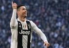 CR7 vence prêmio de melhor jogador do ano no Globe Soccer Awards - Marco BERTORELLO / AFP