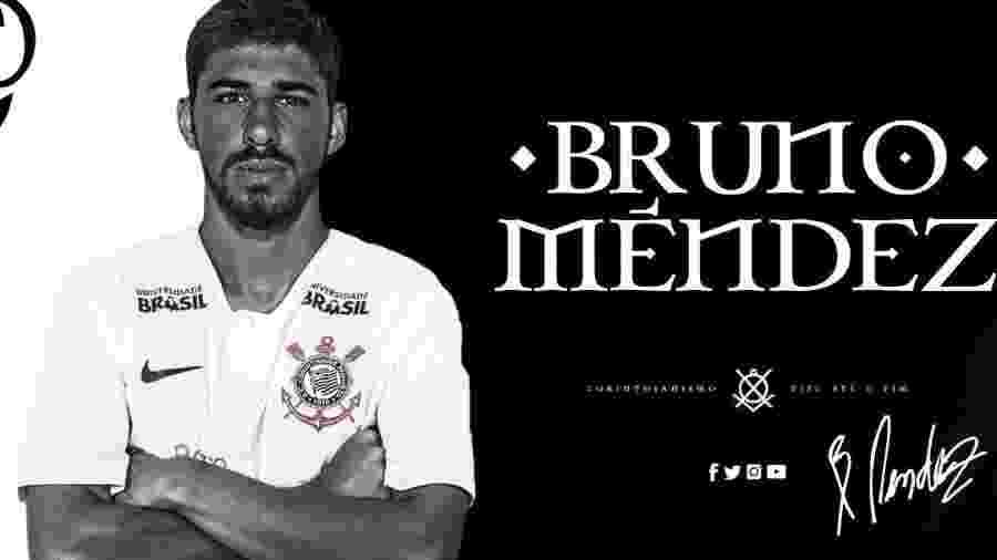 be9c0050a35aa Uruguaio é anunciado com sirene e foto antiga com camisa do Corinthians