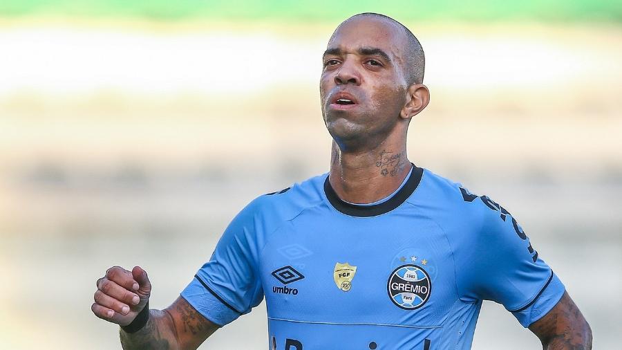27b1a26dc1a6b Gre-Nal  Grêmio deixa Tardelli no banco de reservas e Inter vai sem ...