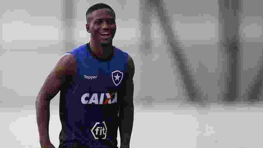 Jonathan foi promovido ao elenco profissional do Botafogo no começo desta temporada - VITOR SILVA/SSPRESS/BOTAFOGO