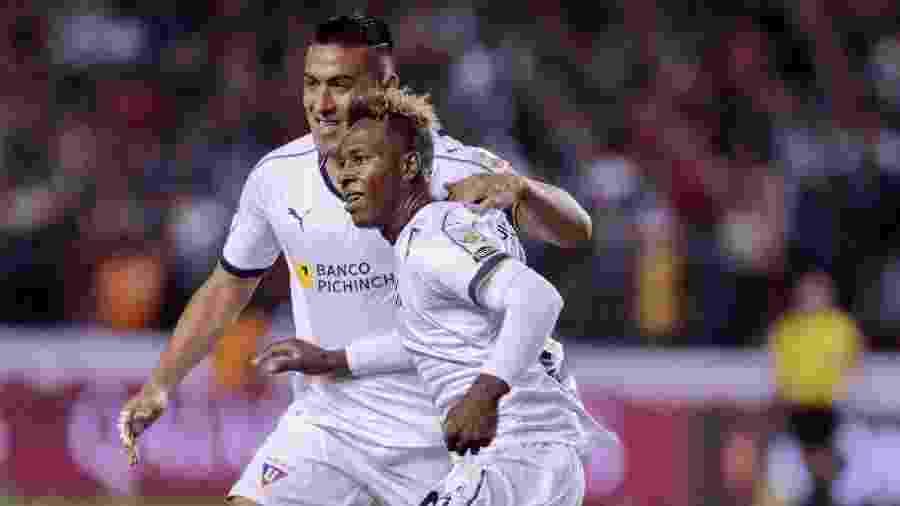LDU comemora gol no duelo contra o Olimpia - Santiago Armas/Xinhua