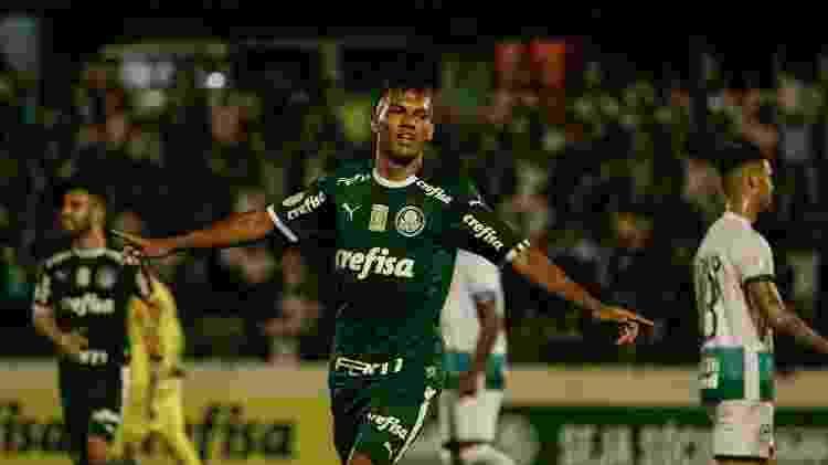 Gabriel Verón comemora gol do Palmeiras contra o Goiás -  Rebeca Reis/AGIF
