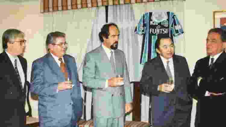 Fábio Koff e dirigentes do Grêmio na assinatura de contrato com clube japonês - Arquivo pessoal - Arquivo pessoal