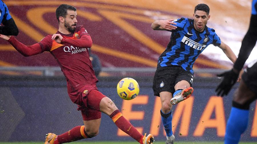 Clubes fizeram duelo agitado pela 17ª rodada do torneio nacional e empataram em 2 a 2 - Alberto Lingria / Reuters