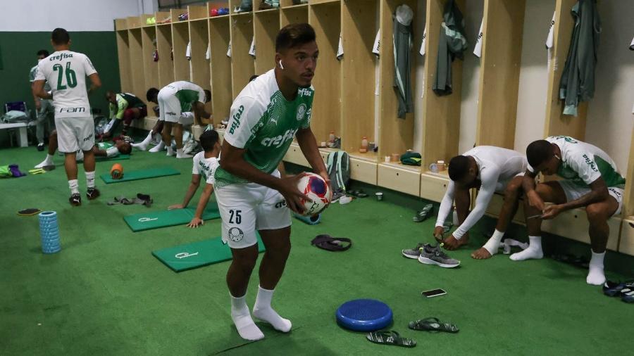 Gabriel Menino, jogador do Palmeiras, antes da partida contra o Guarani, pelo Paulistão - Cesar Greco