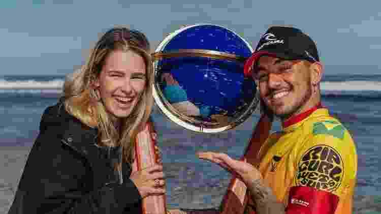 Yasmin Brunet e Gabriel Medina comemoram título do surfista na ilha Rottnest, na Austrália - Reprodução/Instagram - Reprodução/Instagram