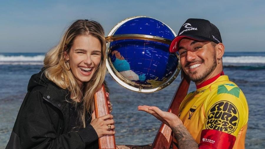 Yasmin Brunet e Gabriel Medina comemoram título do surfista na etapa de Rottnest Search  - Reprodução/Instagram