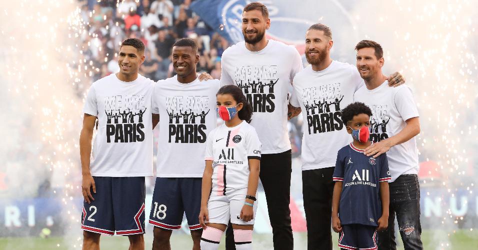 Hakimi, Wijnaldum, Donnarumma, Sergio Ramos e Messi forma apresentados aos torcedores do PSG