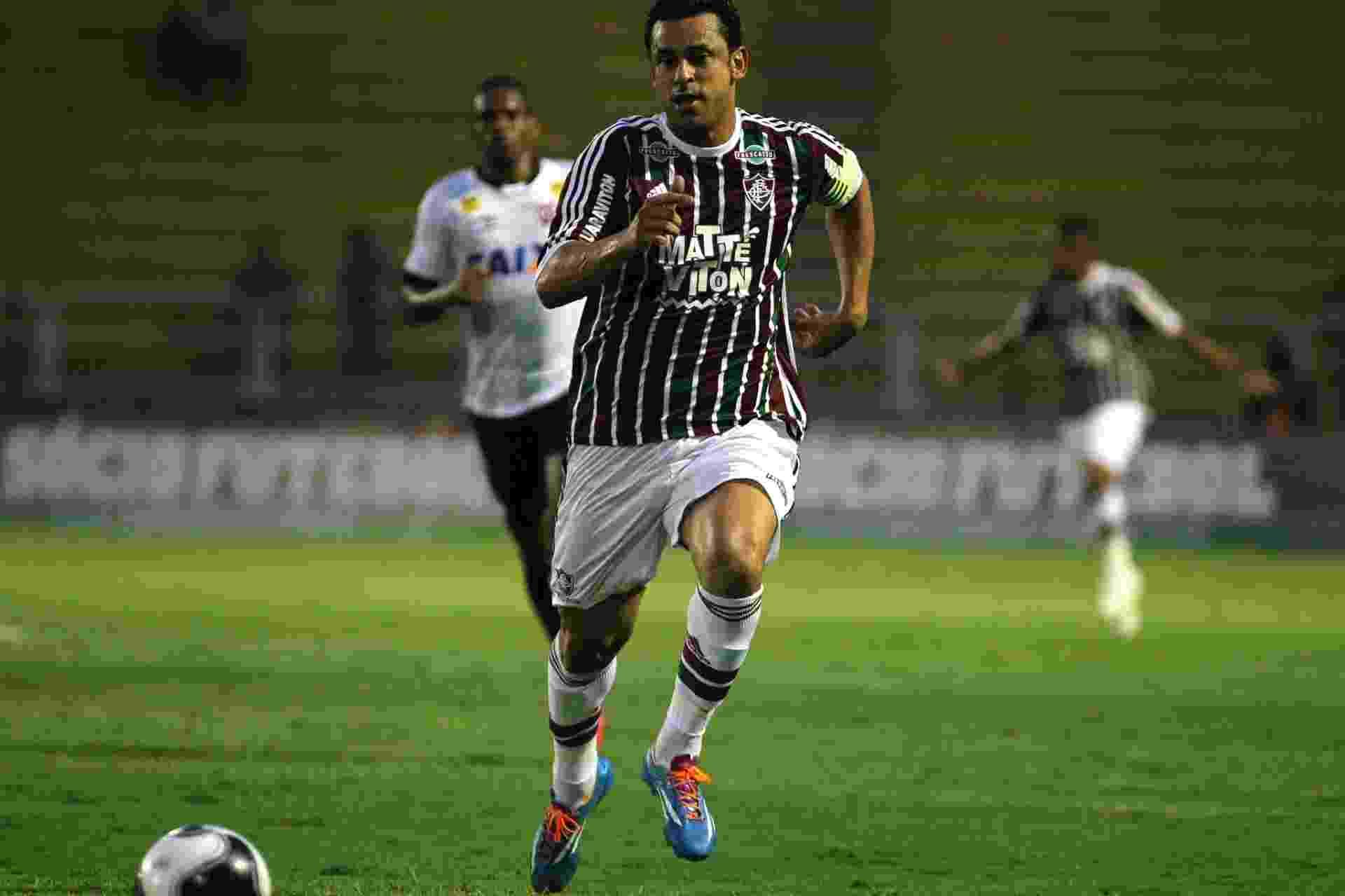 Fred corre para tentar a jogada para o Fluminense contra o Atlético-PR em jogo válido pela Primeira Liga - NELSON PEREZ/FLUMINENSE F.C.