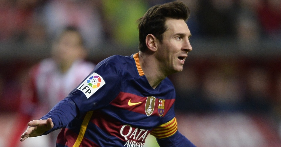 Lionel Messi comemora após marcar seu 300º gol no Campeonato Espanhol