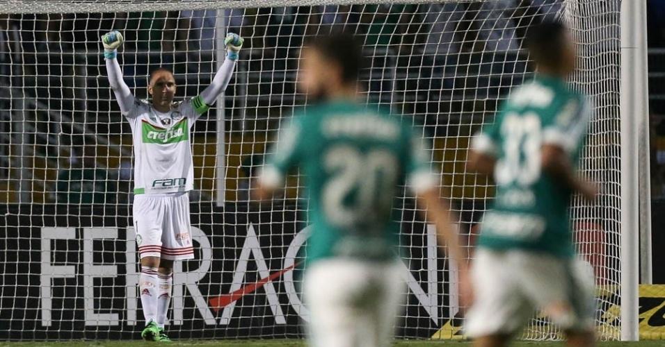 Prass comemora gol marcado pelo Palmeiras na partida contra o Rio Claro, no Pacaembu