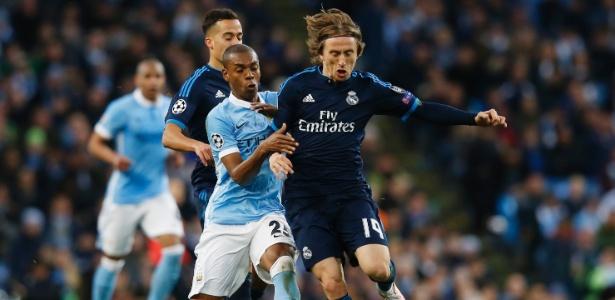 Modric foi flagrado por câmeras ofendendo o árbitro esloveno Damir Skomina