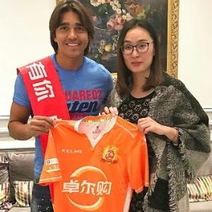 Marcelo Moreno acertou com Wuhan Zall, da China