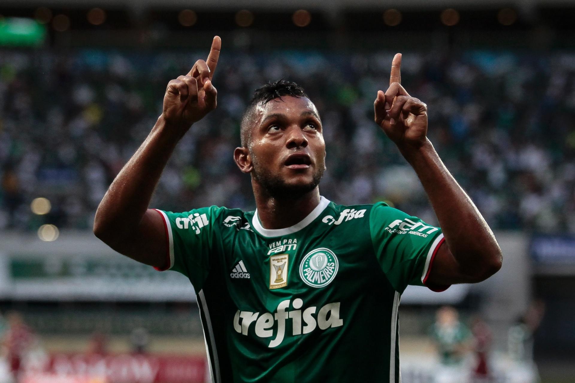2c93ee0c87 Que estreia! Borja marca em goleada e Palmeiras respira - 25 02 2017 - UOL  Esporte