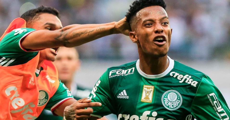 Tchê Tchê marca um belo gol para o Palmeiras contra o São Paulo